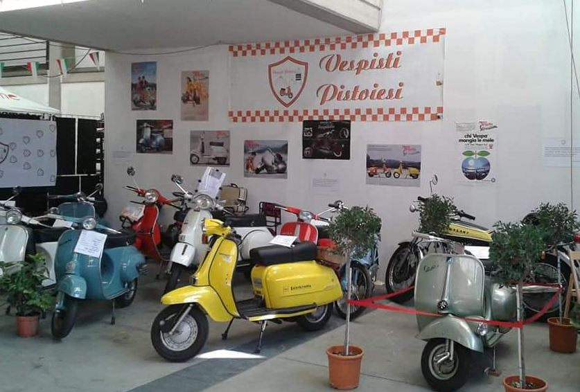 Esposizione di Vespe e Fiat 500 storiche @ Via Curtatone e Montanara, Pistoia